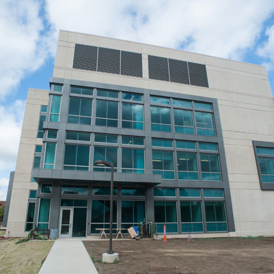 Science And Engineering Laboratory Building Major New